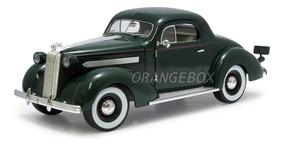 Pontiac Deluxe 1936 1:18 Signature Models 18106-verde