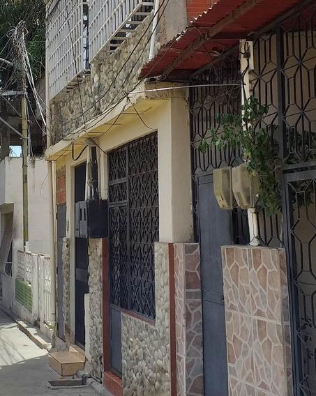 Casa En Catia La Mar La Paez