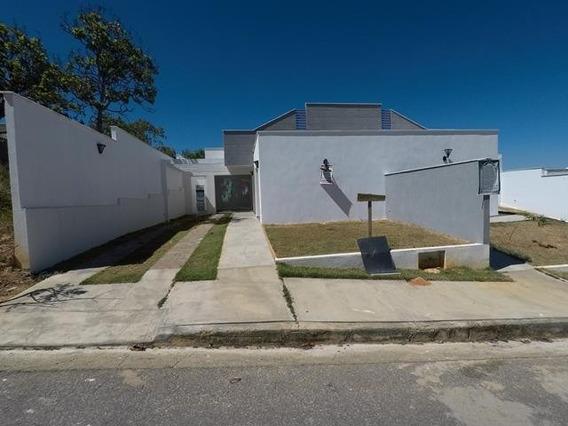 Casa Em Condomínio Com 3 Quartos Para Comprar No Condomínio Trilhas Do Sol Em Lagoa Santa/mg - Blv4043