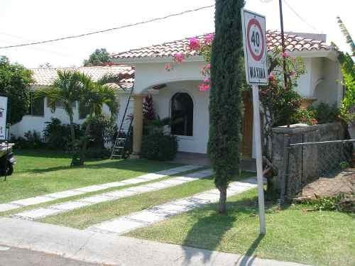 Casa En Renta Avenida Lomas De Cocoyoc, Cocoyoc