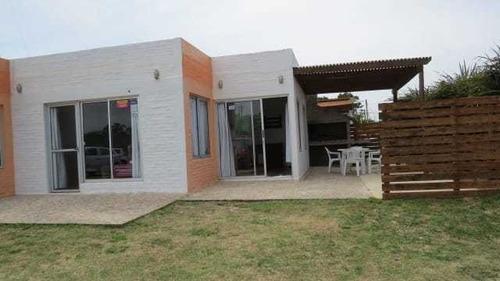 Monoambiente Para 4 Personas, Con Piscina. A 350 De La Playa