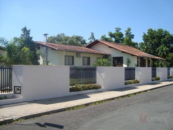 Casa Com 4 Dormitórios À Venda, 420 M² Por R$ 785.000,00 - Água Verde - Blumenau/sc - Ca0529