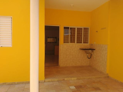 Casa Para Venda Em Taubaté, Esplanada Independência, 2 Dormitórios, 1 Suíte, 1 Banheiro, 2 Vagas - Ca0160_1-1785703