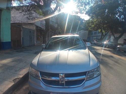 Dodge Journey 2010 2.7 Sxt 5p