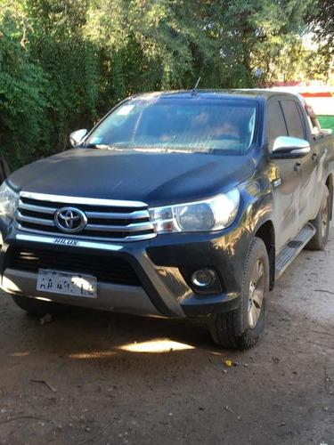 Toyota Hilux 2.8 Cd Srv 177cv 4x4 2016