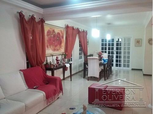 Sobrado - Villa Branca - Ref: 9261 - V-9261