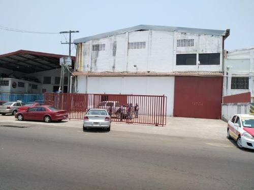 Bodega Industrial En Renta Lorenzo Barcelata