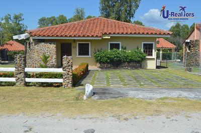 Hermosa Casa De Playa En Club Ecuestre, Coronado