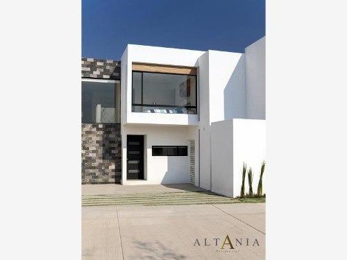 Casa Sola En Renta Altania Residencial