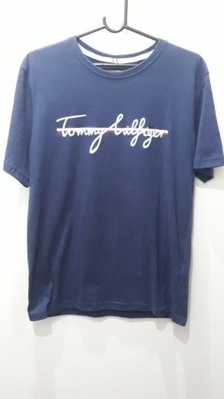 785063fec6be Camiseta Tommy Hilfiger Lancamento - Calçados, Roupas e Bolsas com o ...