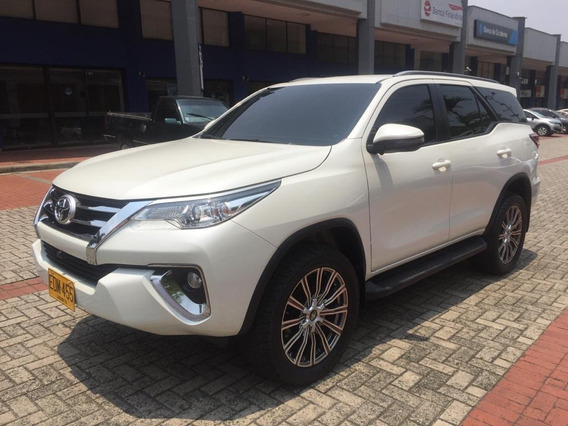 Toyota Fortuner Street 2.4 4x2 At 2019