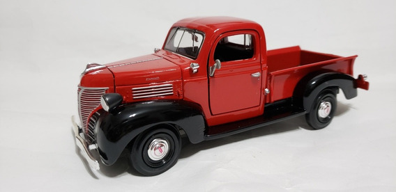 Miniatura Da Pick-up Plymouth 1941 1:24