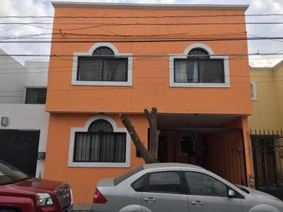 Vrt/ Casa De 5 Habitaciones A 1 Cuadra De La Central De Abastos