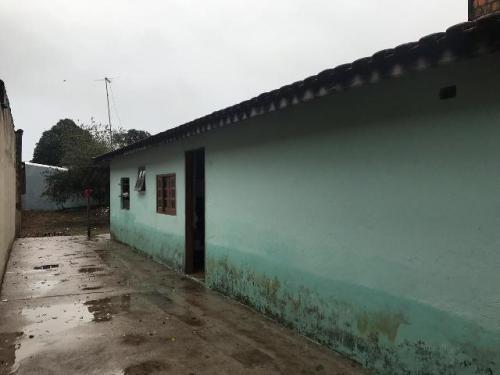 Imagem 1 de 11 de Casa Em Itanhaém Lado Serra, Bairro Fazendinha C/ 1 Vaga.
