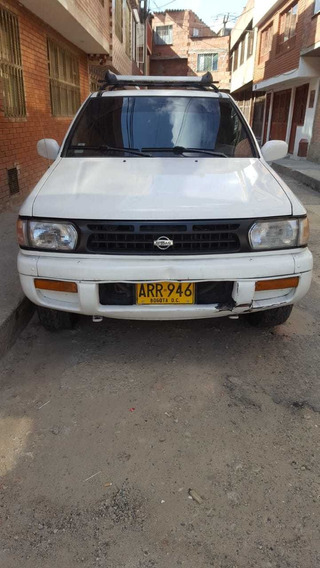 Nissan Pahifander Motor 3250 Modelo 98 5 Puertas Blanca