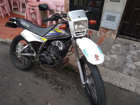 Yamaha Dt 125 Gris Y Blanca