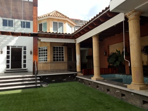 Venta De Casa Estilo Mexicano En La Calera Con Alberca Y Sala De Cine