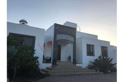 Hermosa Casa En Juriquilla En Renta Av. La Rica
