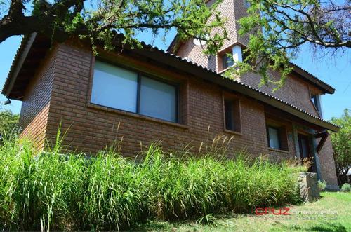 Vendo Casa Barrio Privado 4 Ambientes, 2 Baños, Pileta