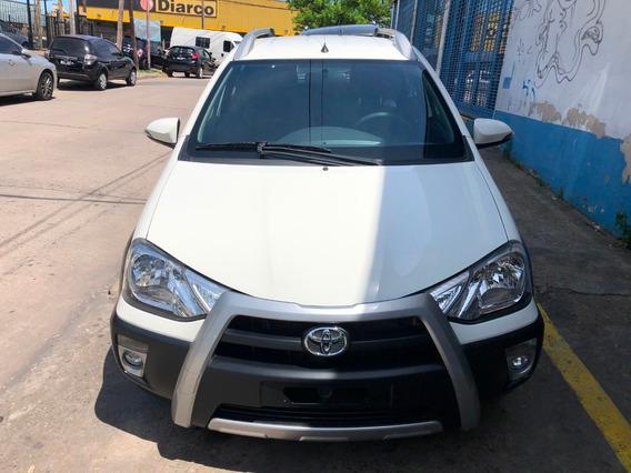Toyota Etios Cross 1.5 0km `16