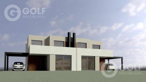Alquilo Casa En Propiedad Horizontal, 3 Dormitorios Y Servicio, Cocheras, Piscina, San Nicolás