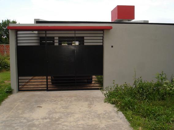 Casa 2 Dormitorios Cochera Y Parque A Estrenar ( Particular)