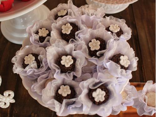 100 Forminhas Doces Finos Modelo Flor Luxo Branca Promoção