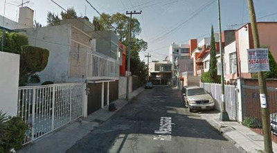 Casa En Paseos De Churubusco Remate Bancario $ 1,998,200