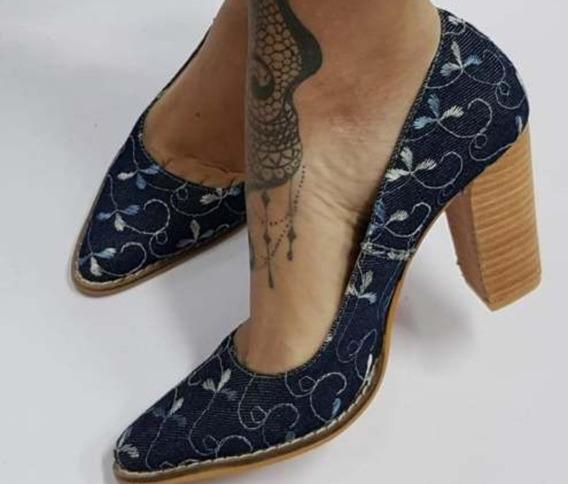 Zapato Stiletto Azul Bordado Talle 40 Nuevo Último Par Ofert
