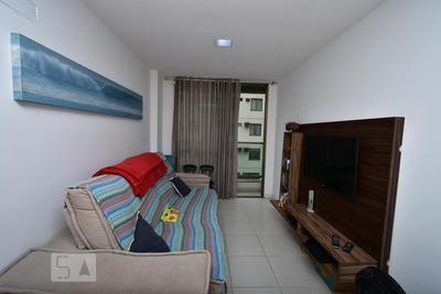 Apartamento No 3º Andar Mobiliado Com 2 Dormitórios E 1 Garagem - Id: 892932902 - 232902