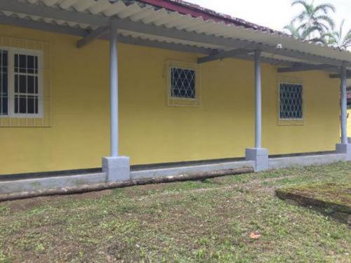Chácara No Guaraú, Em Peruíbe Com 2 Quartos. | 4803-pc