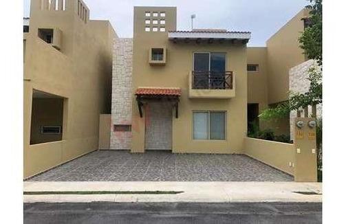 Casa De 3 Recamaras En Venta En Allegranza Playa Del Carmen, Riviera Maya