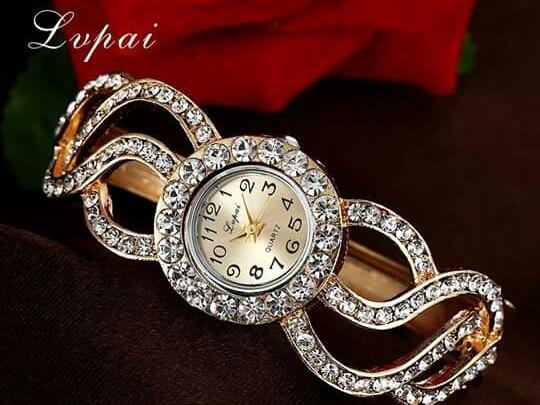 Relógio Feminino Em Cristal