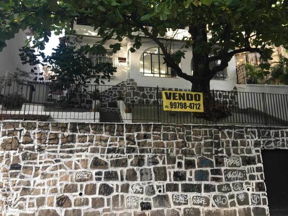 Casa 4 Quartos, 3 Banheiros, Piscina E Churrasqueira.