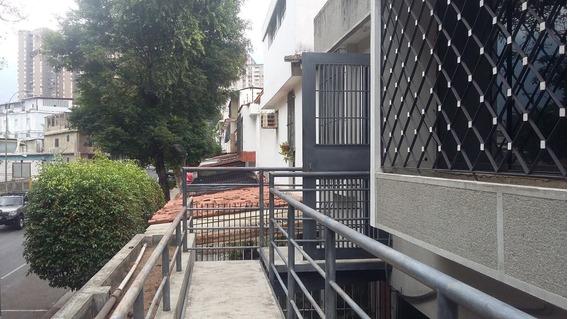 Alquiler De Anexo En El Hatillo, Urb. Lomas Del Halcòn 2 Hab