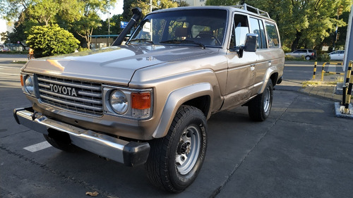 Toyota Land Cruiser Hj 60