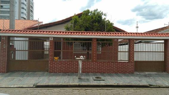 Casa No Centro Em Peruíbe Com 146m² Venha Visitar