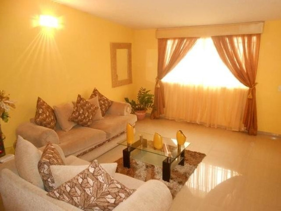 Casa En Venta En La Esmeralda, Maracay Zp20-8780