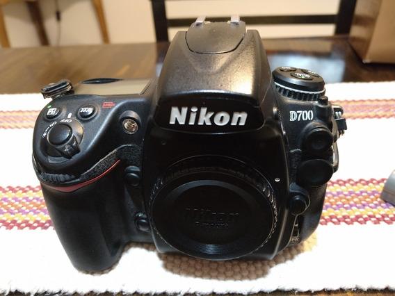 Nikon D700 Con Battery Grip De Regalo