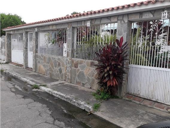 Erika Colina Vende Casa En Los Guayos Paraparal Nac-234