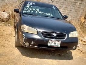 Nissan Máxima Sedan