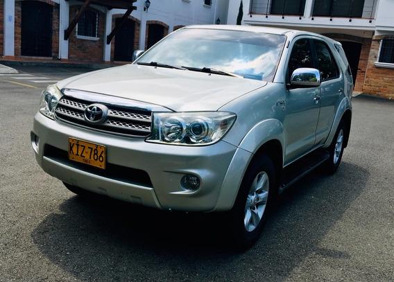 Toyota Fortuner Aut 4x4