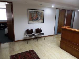 Alquiler De Hermosa Oficina En Chuao / Ac 20-12416