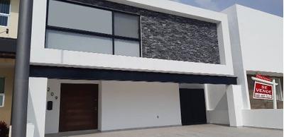 Residencia Hermosa En Lomas De Juriquilla, 4ta Recamara, Jardín, Roof Garden...