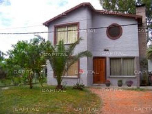 Cómoda Y Luminosa Casa En La Barra- Ref: 25383