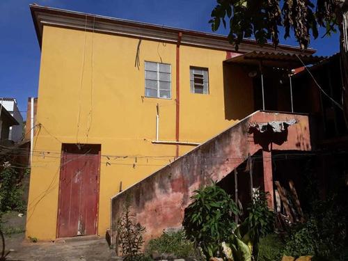 Casa Em Baependi Sul De Minas , Terra De Nhá Chica , Casa Com 03 Quartos , Porão , Galinheiro , Lavanderia. - 285