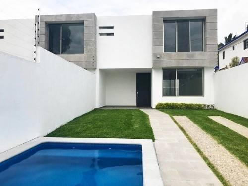 Casa En Venta En Cuernavaca Estilo Moderno