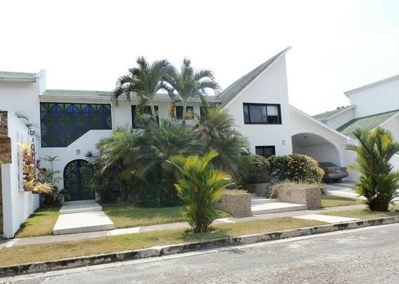 Casa En Venta Altos De Guataparo Carabobo 20-5220 Rahv