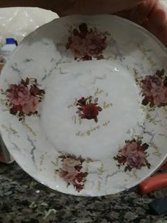 Serviço De Decoupagem Em Pratos, Toalhas, Sabonetes