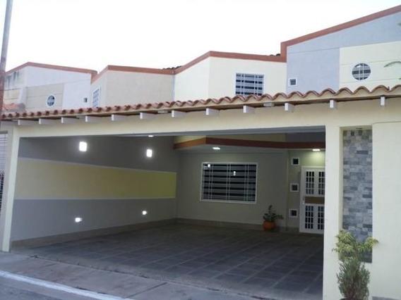 Townhouse En Venta Avenida Aragua Maracay Cod.20-9899